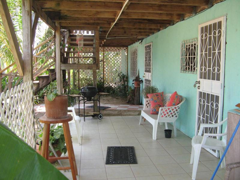 Ally's Guest House Belize - Ally's Guest House Belize a Tropical, Serene Oasis - Placencia - rentals