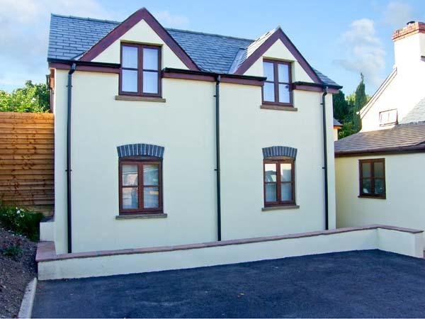 OAK COTTAGE, family friendly,, with a garden and walks from the door, in Llanishen, Ref 10346 - Image 1 - Chepstow - rentals