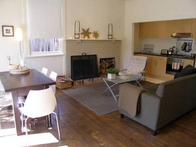 Cosy living area with open fireplace - Muscovy - Daylesford - rentals