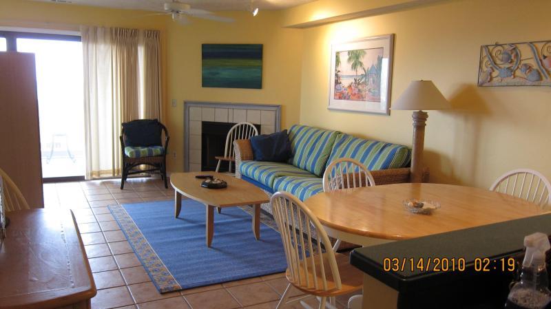Walk Off Your Balcony onto the Beach! Pool & WiFi - Image 1 - Tybee Island - rentals