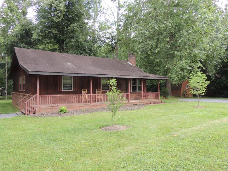 Shady Creek Vacation Rental - Shady Creek on Bold Jonathan Creek - Maggie Valley - rentals