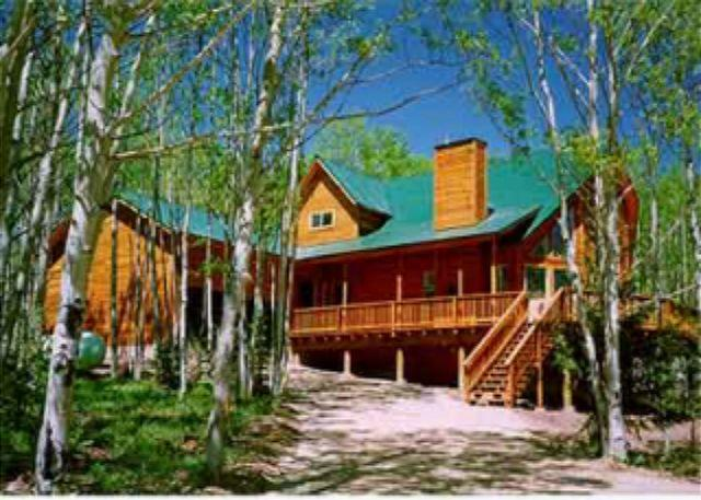 Idyllic House with 3 Bedroom/2 Bathroom in Angel Fire (HO 257) - Image 1 - Angel Fire - rentals