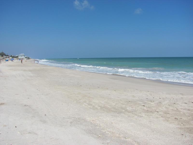 beautiful day at the beach - Beautiful 2/2.5 Townhome/ private beach access - Vero Beach - rentals