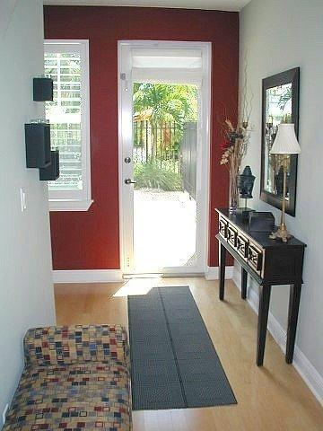 Entrance Foyer - Fort Lauderdale's Most Popular Vacation Home-POOL! - Fort Lauderdale - rentals