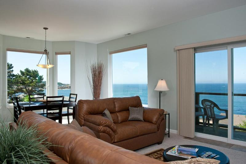 Snuggle Up - *Promo!* - Spectacular Ocean View Condos - HDTVs, WiFi & More! - Depoe Bay - rentals