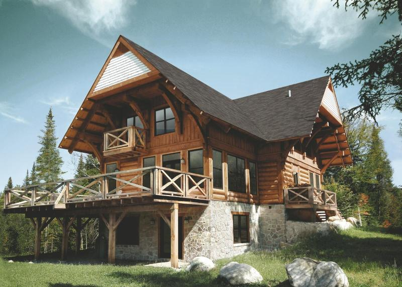 5 bedroom luxury log home - Luxurious 5br Log Home At Rcnt Chalets - Lac-Superieur - rentals