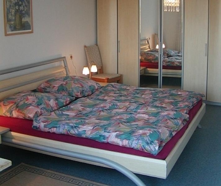 Master Bedroom (1) - Vacation Apartment in Tübingen - 624 sqft, nice, clean (# 164) - Tübingen - rentals