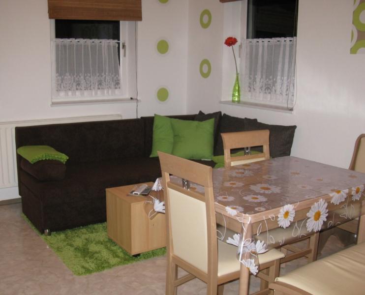 Living Room (1) - Vacation Apartment in Eschenbach in der Oberpfalz - 484 sqft, completely furnished, quiet location (#… - Wolframs-Eschenbach - rentals