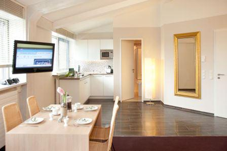 LLAG Luxury Vacation Apartment in Munich - 592 sqft, hotel service, great location, modern furnishings… #844 - LLAG Luxury Vacation Apartment in Munich - 592 sqft, hotel service, great location, modern furnishings… - Eichenau b Muenchen - rentals