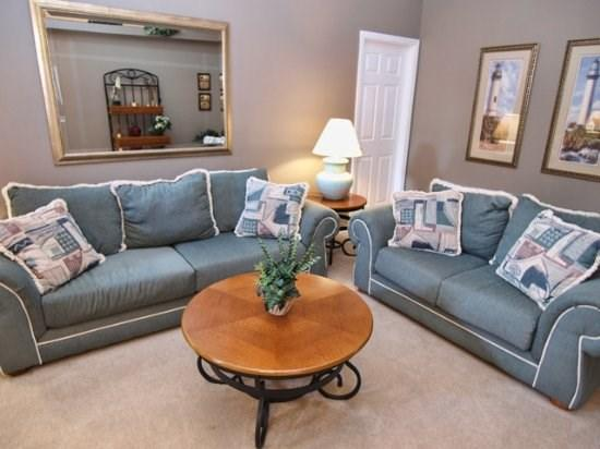 Living Area - FP4P166LRP Comfortable 4 BR Home in Florida Pines with Privacy Screen - Orlando - rentals