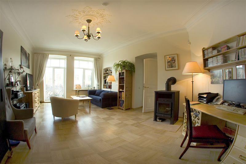 Living room with balcony - Cosy & quite old style 5 room flat with balcony! - Saint Petersburg - rentals