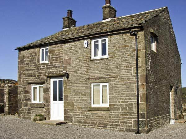 NEW COTTAGE FARM, family friendly, country holiday cottage, with a garden in Buxton, Ref 6069 - Image 1 - Buxton - rentals