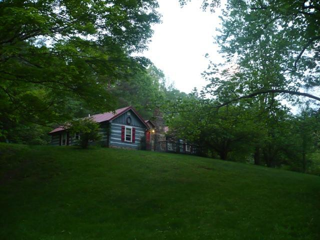 Log Cabin - Trinity Hill, A Brown County Cabin - Nashville - rentals