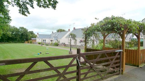 Child Friendly Holiday Cottage - 5 Tudor Lodge Cottages, Jameston - Image 1 - Jameston - rentals