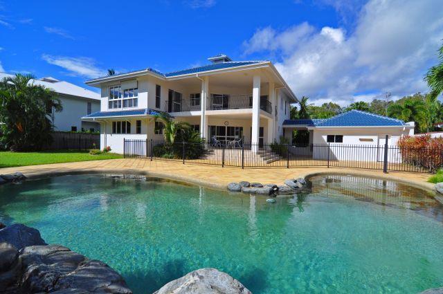 Absolute Beachfront at Kewarra Beach, CAIRNS - Image 1 - Cairns - rentals