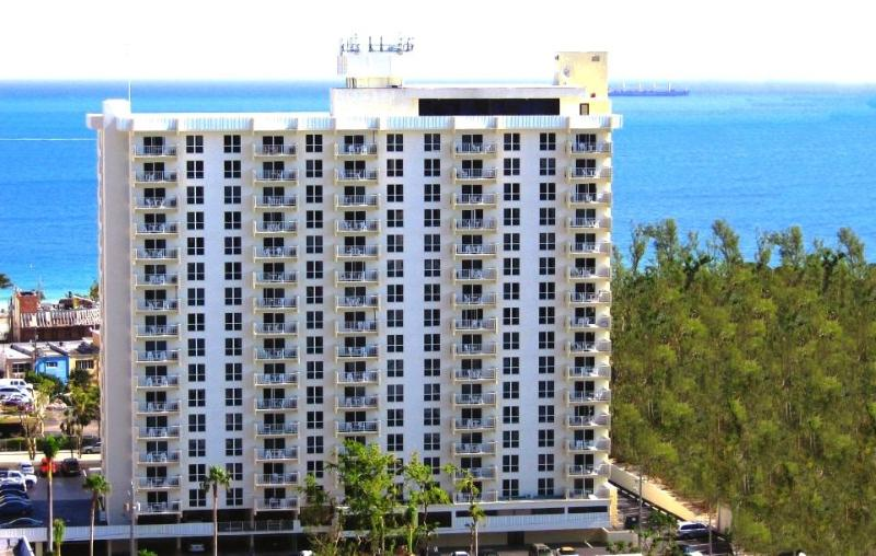 Central Beach Location - Central 1-Bedroom Condo - Fort Lauderdale - rentals
