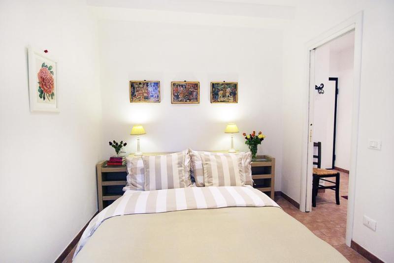 Casa San Giovanni wwwflorenceholidayhomescom - Florence Holiday Homes wwwflorenceholidayhomescom - Florence - rentals