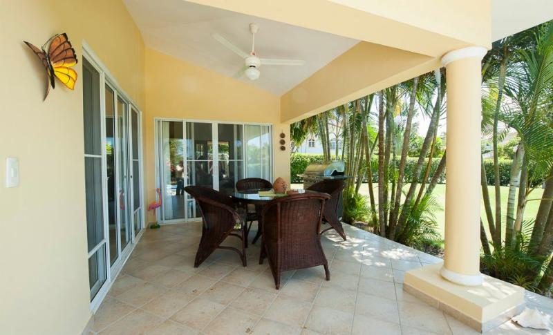 A two bedroom villa Colibri is equipped with all the comforts you would ever need! A well- designed living room has a cable TV. Master bedroom has its own safe and cable TV. Air conditioning in all the bedrooms! WI-FI included. Has a purification system f - Image 1 - Sosua - rentals