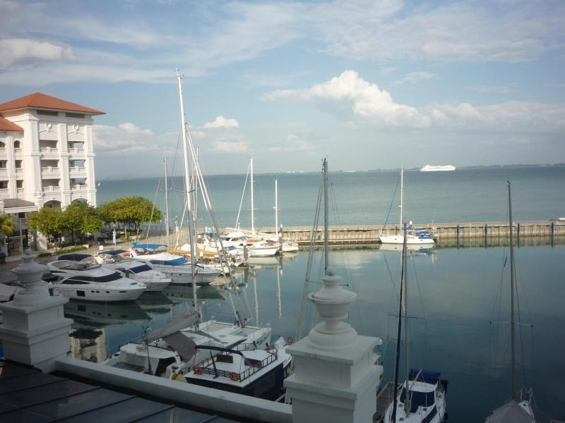 Front of The Marina at Straits quay - Straits Quay, Luxury Serviced Apartment, Penang - Tanjung Tokong - rentals