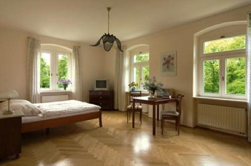 Single Room in Dresden - 312 sqft, elegant, nice, comfortable, Elbe river views (# 404) #404 - Single Room in Dresden - 312 sqft, elegant, nice, comfortable, Elbe river views (# 404) - Dresden - rentals