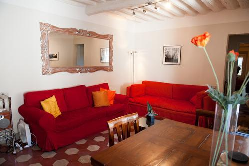 Light filled living room, comfy couches for that post lunch nap or good book! - Perfect Lucca Apt with 2BR 2BA in Historic Center - Lucca - rentals