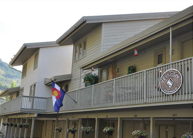 Exterior of Lionsmane 601 - Lionsmane 601 remodeled 2 bedroom 2 bathroom condominium - Vail - rentals
