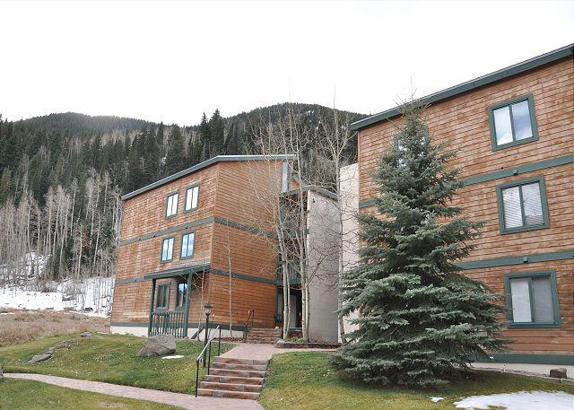 Timber Falls Building 12 - Cozy two bed two bath condo in East Vail on free bus shuttle - Vail - rentals