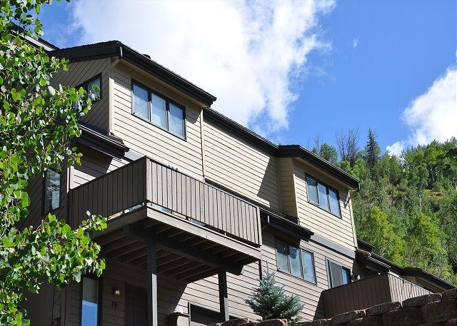 20% Discount: 2/1 - 2/15/2015 on this SpaciousTownhome in East Vail - Image 1 - Vail - rentals