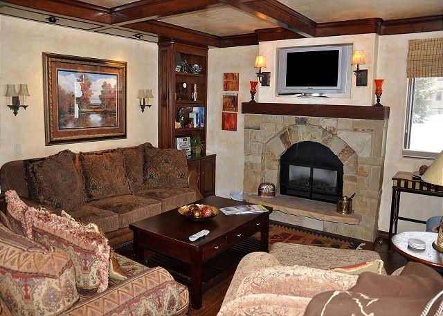Living area - Check out our GREAT RATES for this Luxury Condo in East Vail - Vail - rentals