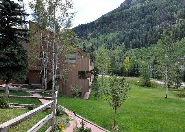 Building 11 - Convenient Condo in East Vail; a favorite with our guests - Vail - rentals