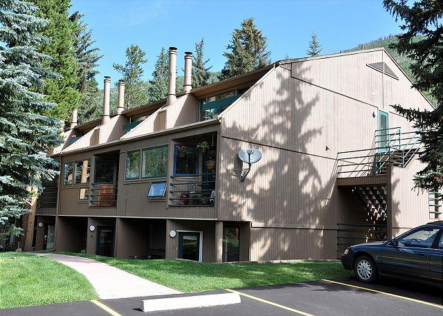 Building 5 Pitkin Creek Park - Studio apartment with a loft. Feels like a one bedroom condo! - Vail - rentals