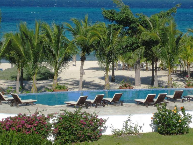 Main Heated Infinity Pool - Cozumel Condo On The Beach - Cozumel - rentals