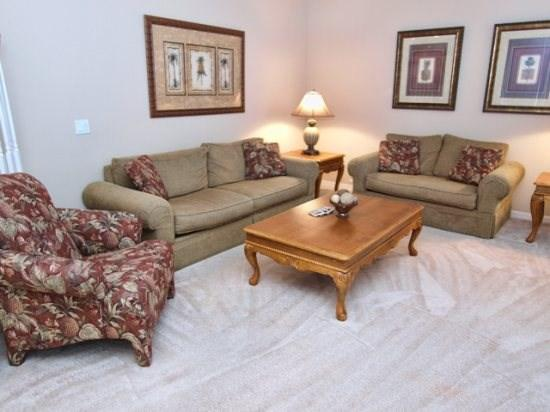 Living Area - HR5P325BD 5 Bedroom Holiday Villa with South Facing Pool And Spa - Orlando - rentals