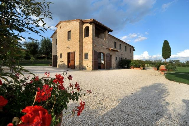 Large Tuscany Apartment in a Villa Near Town - Casale del Borgo 1 - Image 1 - Foiano Della Chiana - rentals
