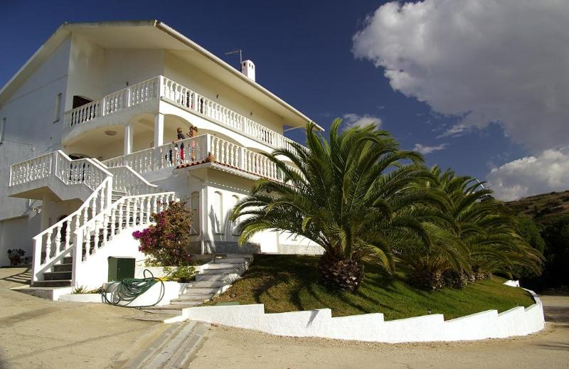 Villa Vista - Luxury Bed & Breakfast room or rooms with stunning ocean view - Ericeira - rentals