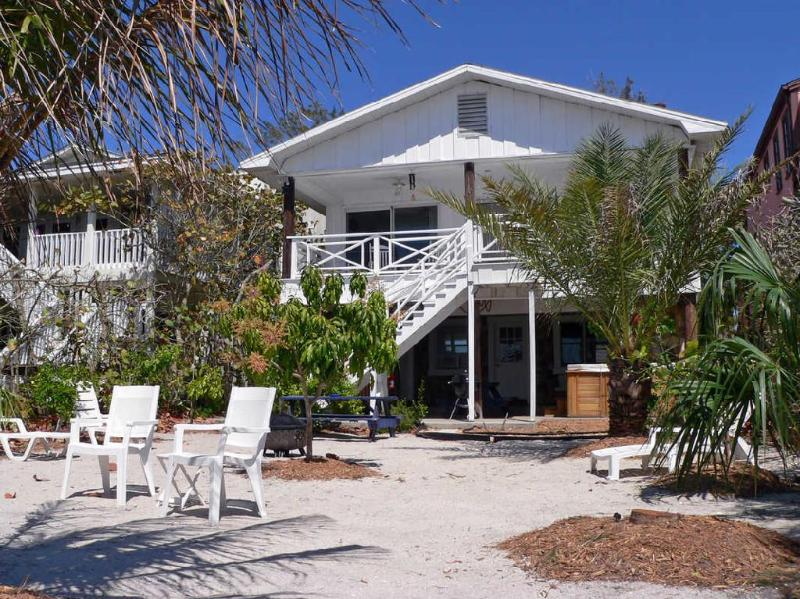 House - Eiko Beach House - Treasure Island - rentals