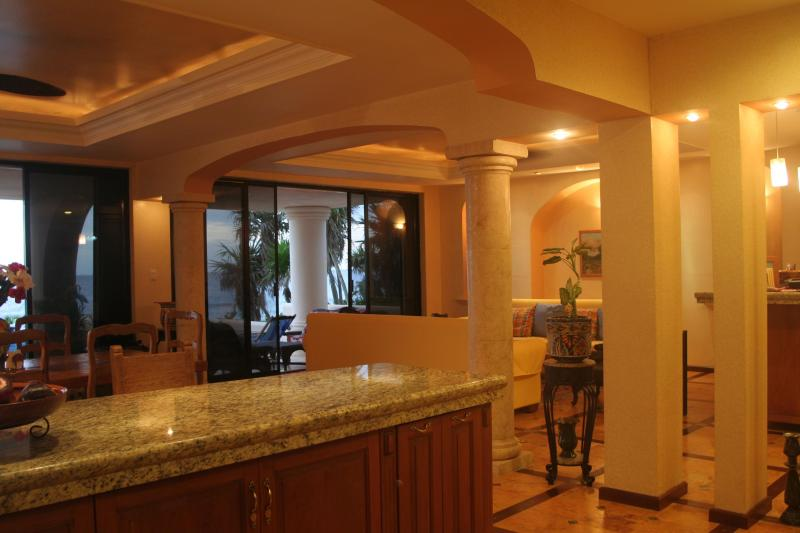 kitchen - Luxurious Ocean front Villa four to six bedrooms - Puerto Aventuras - rentals
