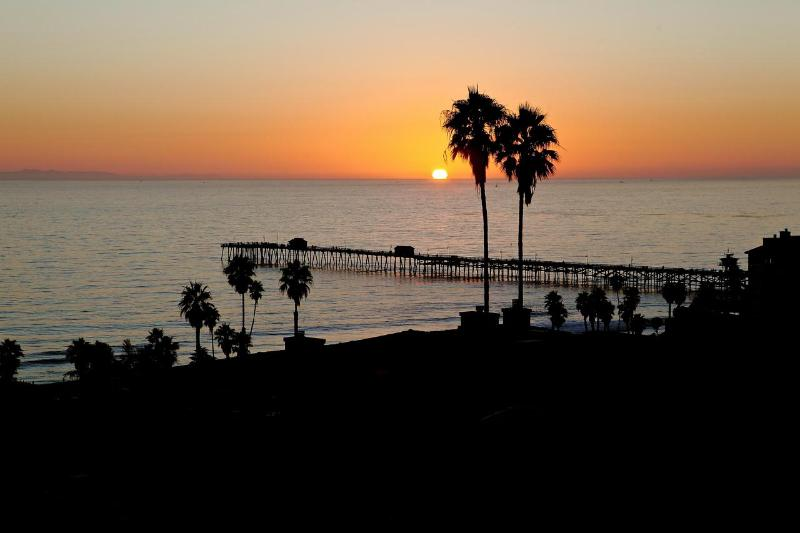Sunset in San Clemente! Photo taken from upper deck dining table - Luxury View  Beach Home at T Street    5bdrm 5b - San Clemente - rentals
