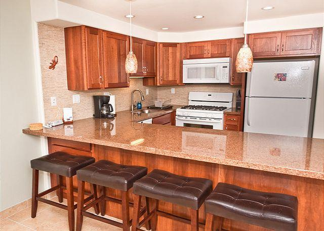 SUMMER SPECIALS! Renovated 4th floor Condo with a Spectacular Ocean View - Image 1 - Kihei - rentals