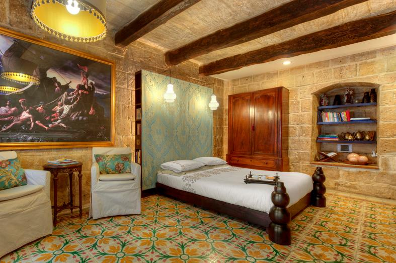 Romantic bedroom with antique colourful tiles & traditional Maltese balcony. - Valletta G-House - historic holiday rental for two - Valletta - rentals