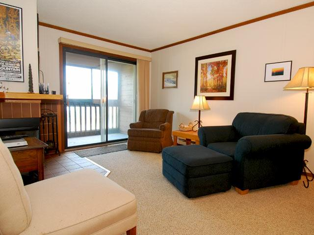 Snowcrest B 116:  4 Bedrooms, 3 Baths.  4 Hot Tubs in the building. - Snowcrest - B116 - Snowshoe - rentals
