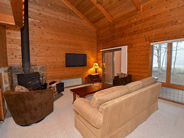 Powder Monkey 11: 3 Bedrooms, 2 Full Baths. Gas Fireplace. - Powder Monkey 11: Fireplace, 3 BR / 2 Baths - Snowshoe - rentals