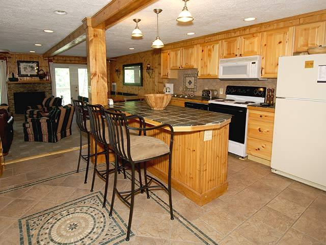 Shamrock 28: 4 Bedrooms, 3 full baths. spacious living area. - Shamrock - 28 - Snowshoe - rentals