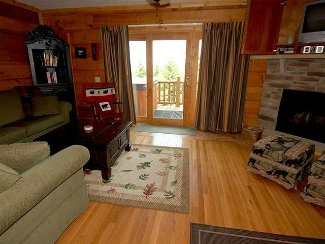Loggers Run 14: 4 Bedrooms, 2.5 Baths. Ski In/Ski Out. Private Hot Tub. - Loggers Run 14: Hot Tub, 4 BR / 2.5 Bath - Snowshoe - rentals
