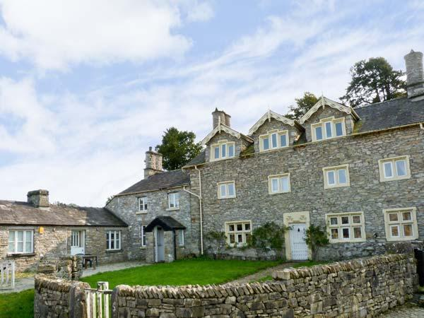 MEATHOP HALL, pet friendly, character holiday cottage, with a garden in Meathop, Ref 8427 - Image 1 - Meathop - rentals