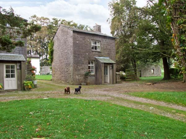 THE COACH HOUSE, pet friendly, character holiday cottage, with a garden in Cartmel, Ref 10307 - Image 1 - Cartmel - rentals