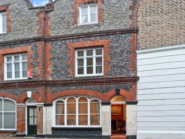 19 KING STREET, pet friendly, with a garden in Margate, Ref 10013 - Image 1 - Margate - rentals