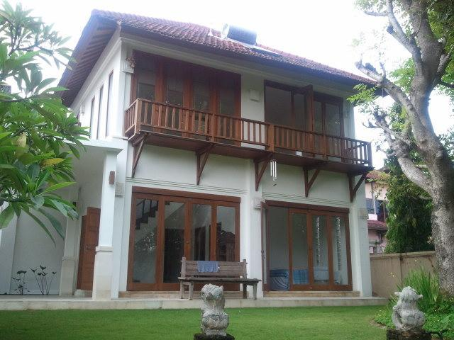 Frontal view of house from the garden / pool area - Sanur villa (3 br), privacy 'n nature, near beach - Sanur - rentals