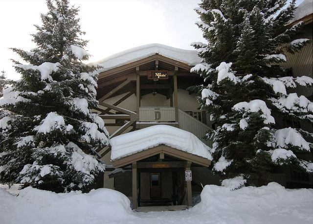 Winter Entry - Sunny Ski Condo at the Base of Jackson Hole - Teton Village - rentals