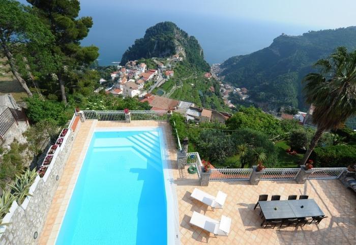 Villa Nuvola  House rental near Ravello - Image 1 - Ravello - rentals